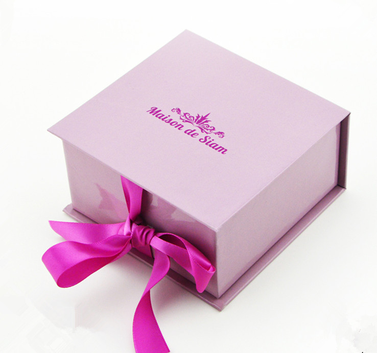 Custom Gift Wrapping Boxes